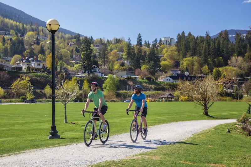 Nelson BC lakeside park Surly Straggler